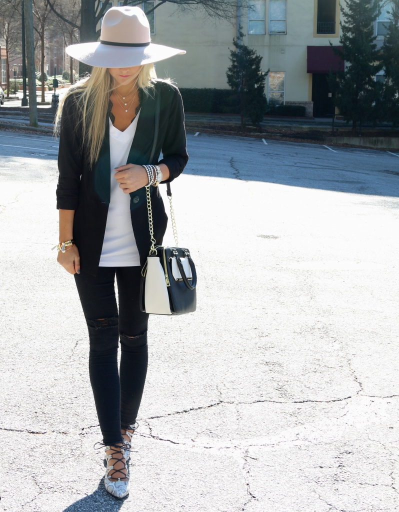 Black & White Outfit with Floppy Hat