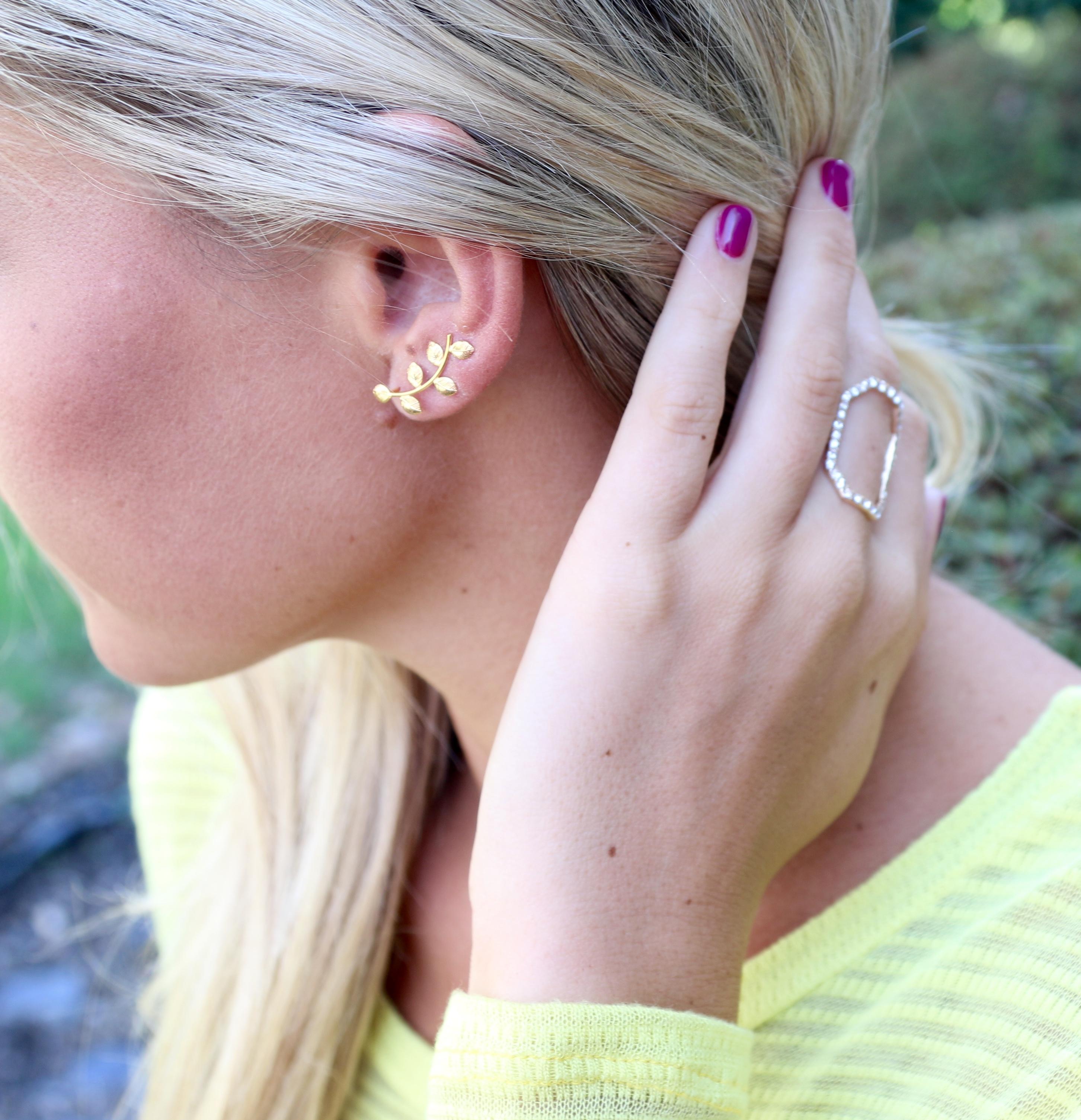 Amorium Gold Ear Cuff