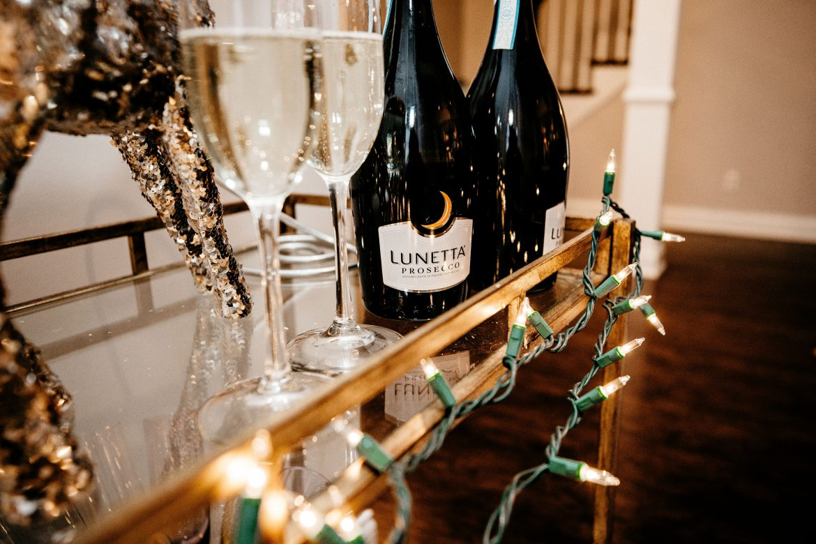 Celebrate the Holiday Season w/ Lunetta Wine